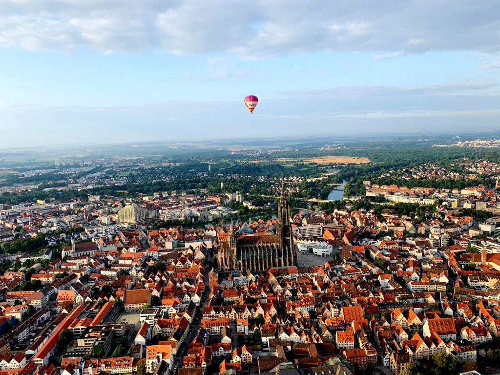Heißluftballon über Ulm